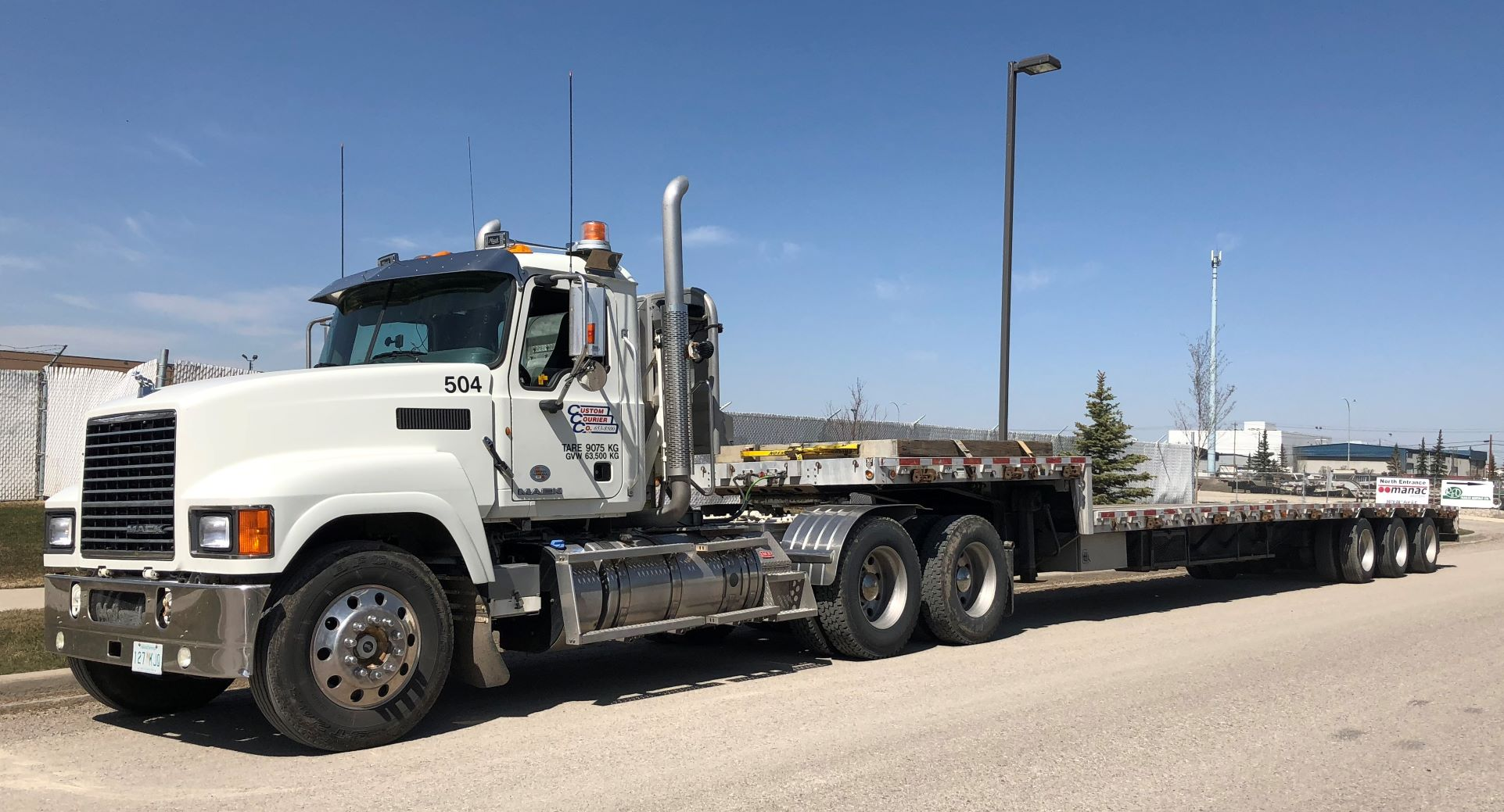 Semi with 53 step deck re size